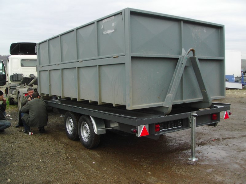 Remorca transport container