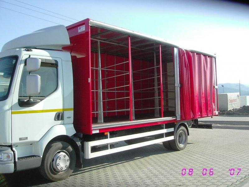 Autoutilitara transport bauturi
